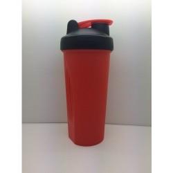 Шейкер 600 мл., красный непрозрачный стакан, черная крышка, красная защелка с сеткой
